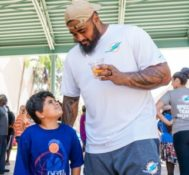 Miami Dolphins Visit Red Cross Shelter to Assist with Hurricane Irma Relief Efforts